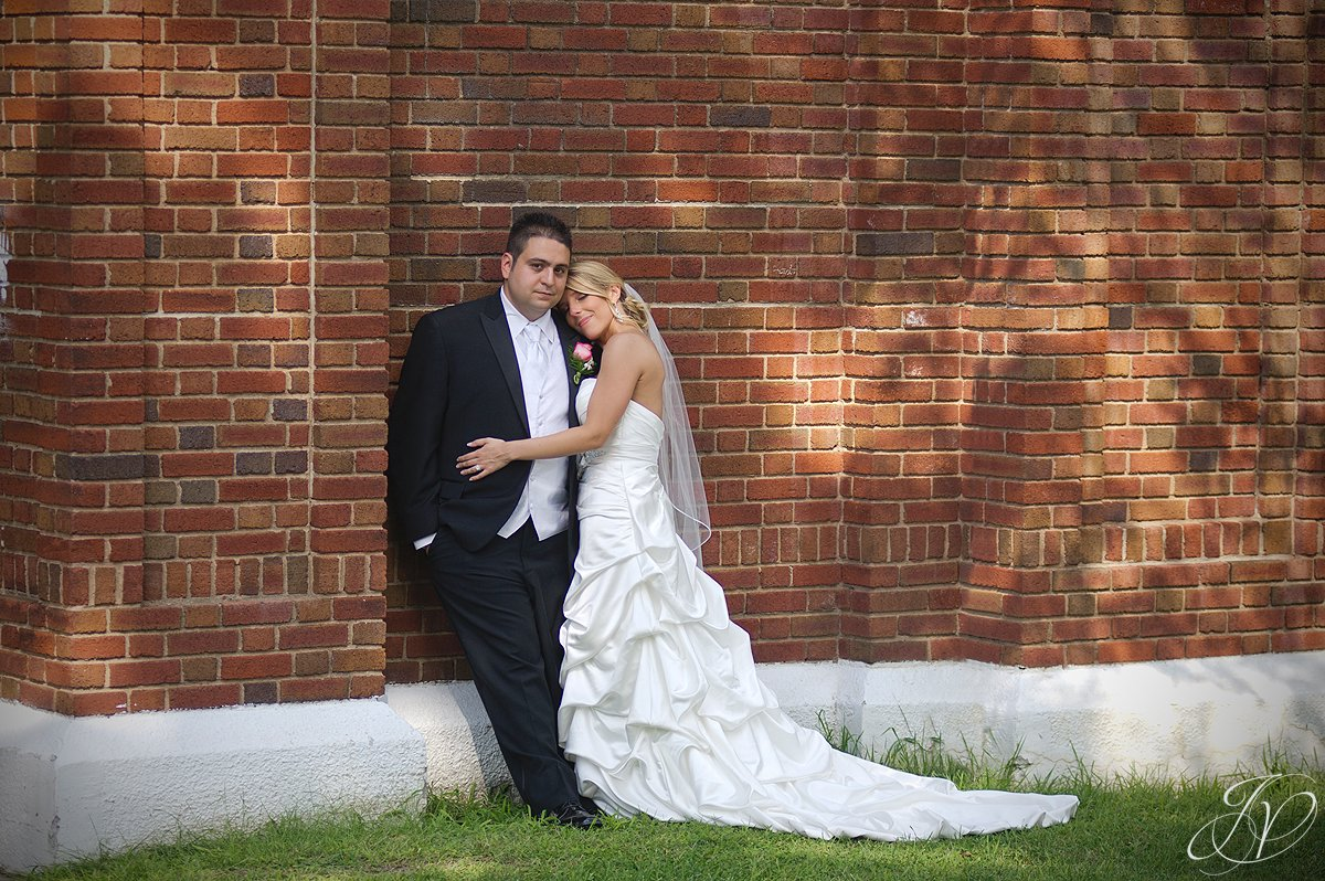 Waters Edge Lighthouse, schenectady rose garden, Schenectady Wedding Photographer, bride and groom