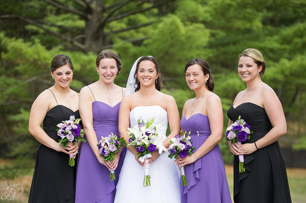 cute summer photo of bride and her bridesmaids