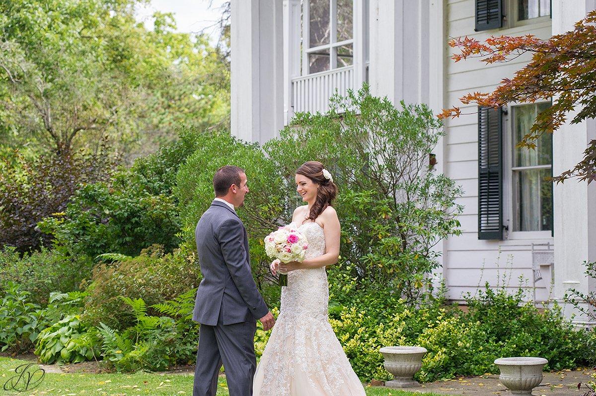 groom speechless by his bride