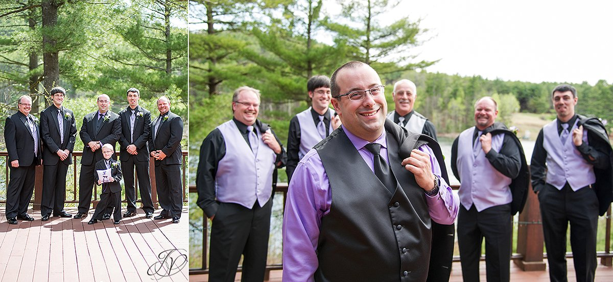 fun photos of groom and his groomsmen