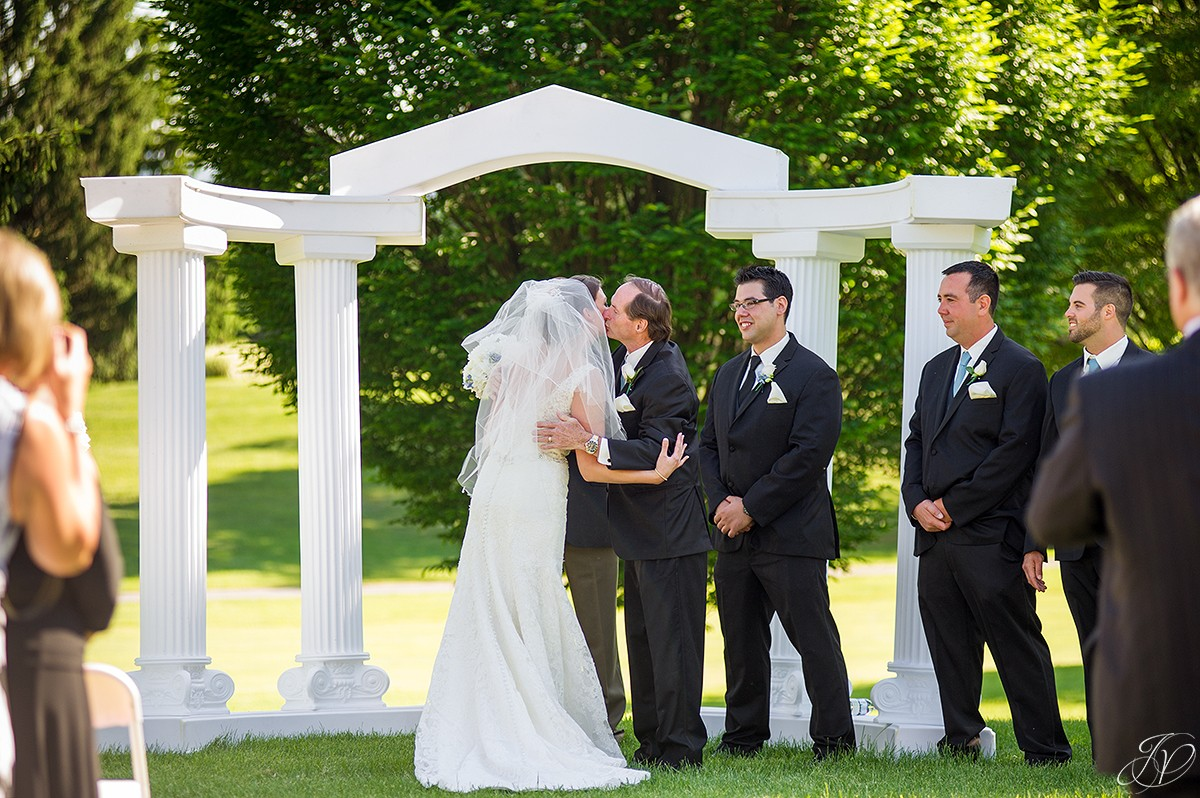 father gives bride away shenandoah valley golf club