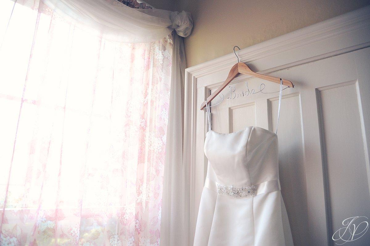 wedding dress photo, schenectady wedding photographer, riverstone manor, wedding detail photos