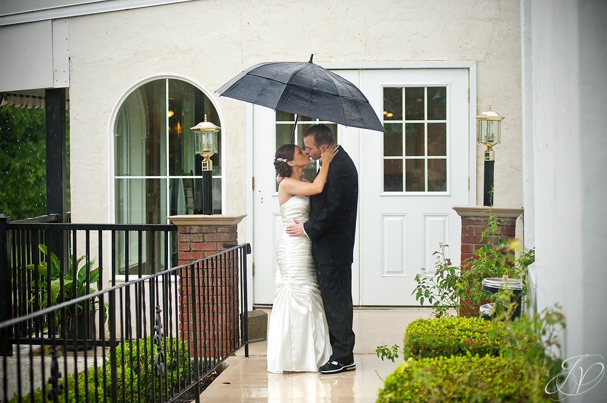 bride and groom alone photo, The Glen Sanders Mansion, Albany Wedding Photographer